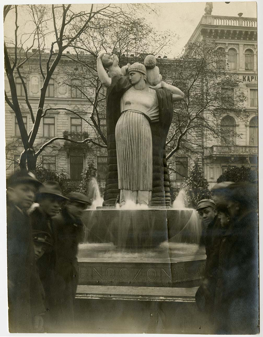Monument of Gratitude, Hoover Square, Warsaw, October 29, 1922.