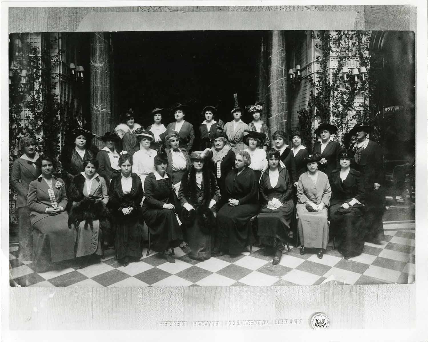 #31-1914-7 Lou Henry Hoover with the American Relief Committee.